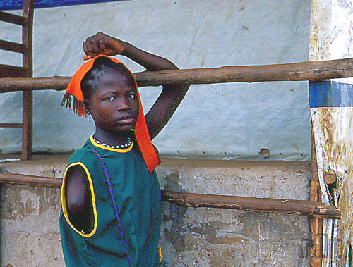sierra leone research paper Sierra leone is bordered by guinea in the northeast, liberia in the southeast, and the atlantic ocean in the southwest sierra leone covers a total area of 71,740 km² (27,699 sq mi) [2] and has a population of 5,900,000.